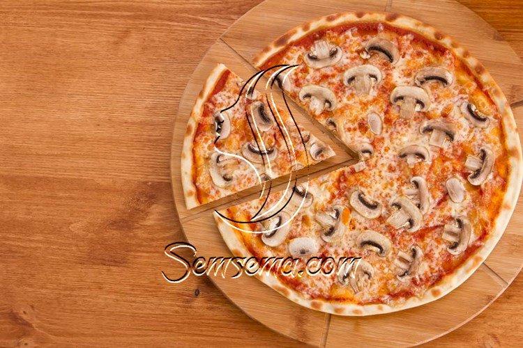 طريقة عمل بيتزا بالمشروم والريكوتا