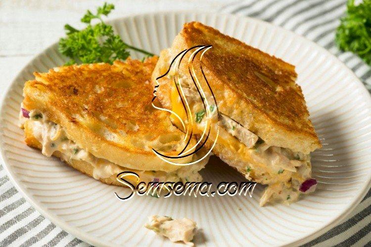 بانيني التونة بجبن الشيدر