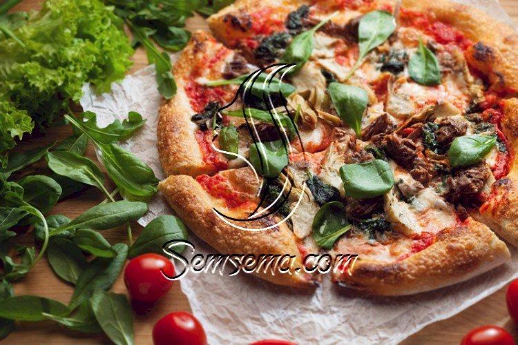 بيتزا بالسبانخ والجبن